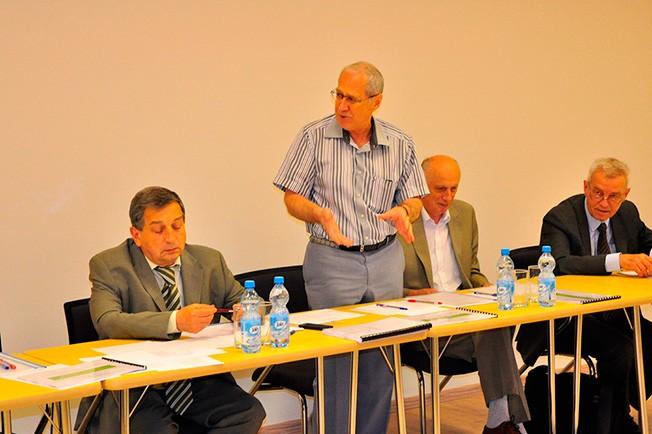 НОВОСТИ В Бакинском филиале состоялась защита магистерских диссертаций выпускников химического факультета